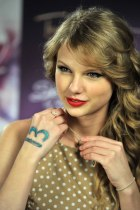 taylor-swift-in-2010-1.jpg